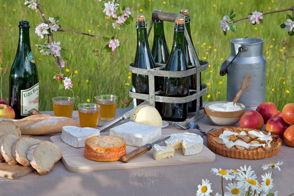 Die 3 C's der normannischen Gastronomie Camembert, Calvados und Cidre
