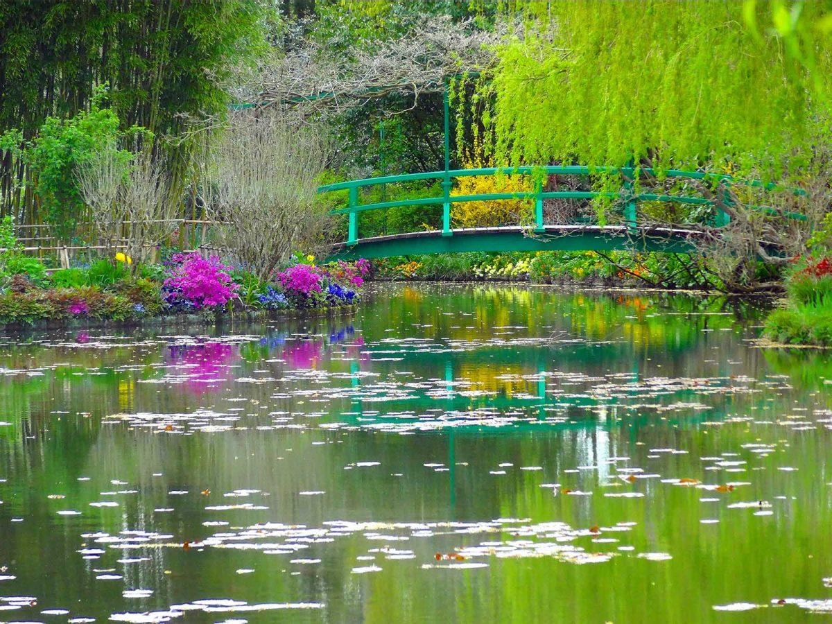 Pont japonais dans les jardins de Giverny