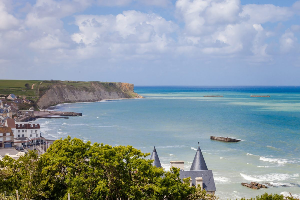 Blick auf Arromanches-les-Bains, Landungsstrand in der Normandie