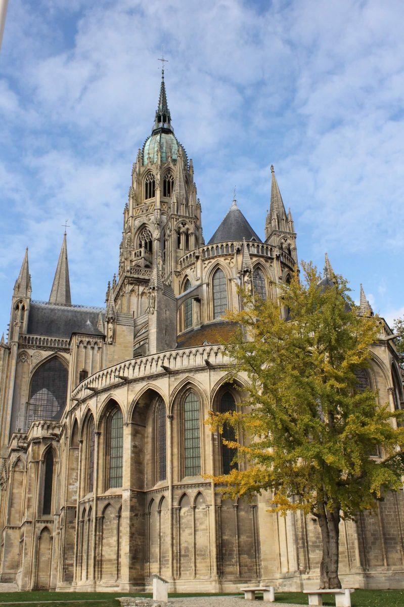 Außenansicht Kathedrale von Bayeux
