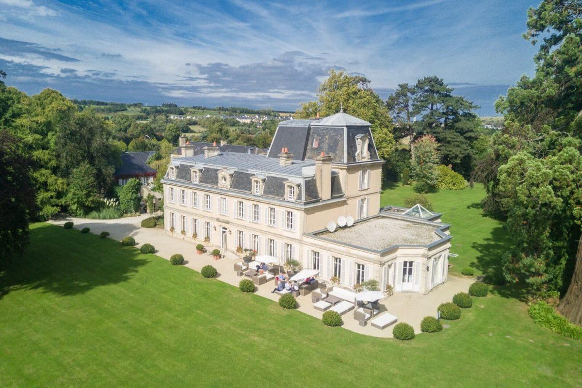 Außenansicht Château La Chenevière
