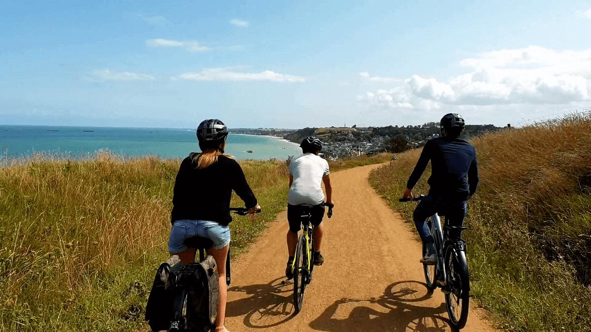 Radfahren an der Küste der Normandie