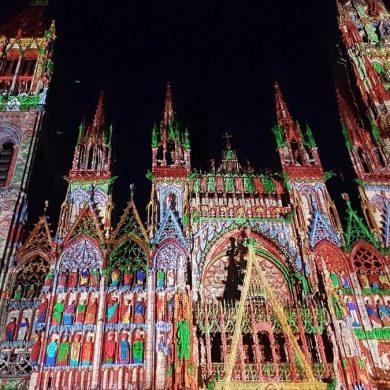 Lichtshow an der Kathedrale von Rouen