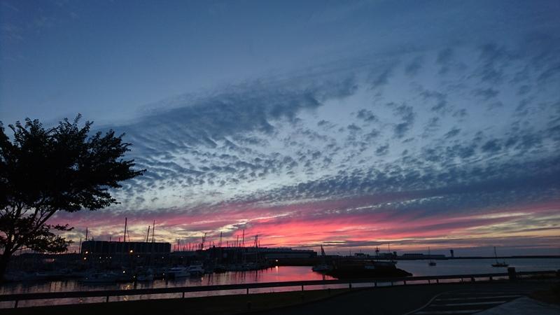 Sonnenuntergang am Kai von Cherbourg