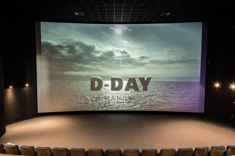 TV-Leinwand D-Day Experience Sehenswürdigkeit